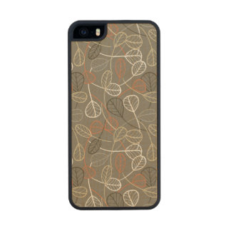 Pattern displaying leaves carved® maple iPhone 5 slim case