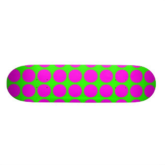 Pattern Green Background with Pink Circles Skateboard