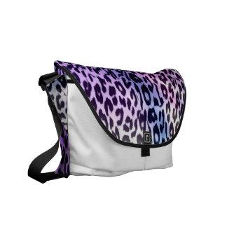 Pattern leopard fur texture messenger bag