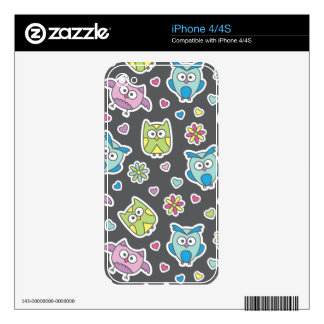 pattern of cartoon owls iPhone 4 decal