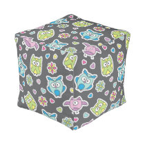pattern of cartoon owls pouf