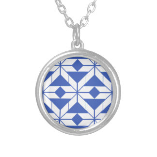 Pattern Round Pendant Necklace