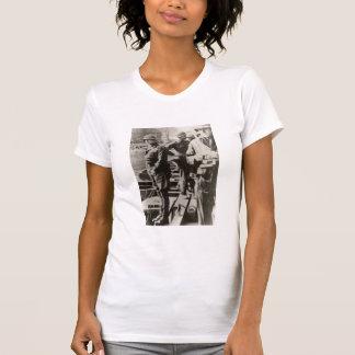 Patton pisses en el río Rhine Camisetas