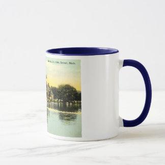 Pavilion Belle Isle, Detroit Michigan 1915 Vintage Mug