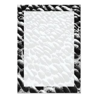 Pavimento de los guijarros invitación 12,7 x 17,8 cm
