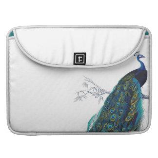 Pavo real azul con las plumas de cola hermosas funda macbook pro