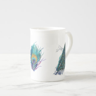 Pavo real azul con las plumas de cola hermosas taza de porcelana