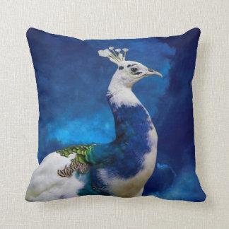 Pavo real azul y blanco cojín