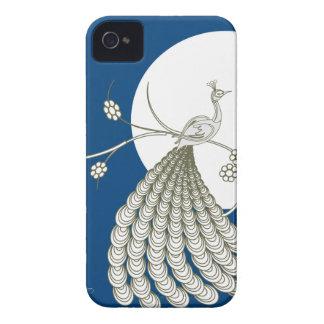 Pavo real blanco elegante con la luna iPhone 4 funda