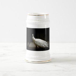 Pavo real blanco hermoso jarra de cerveza