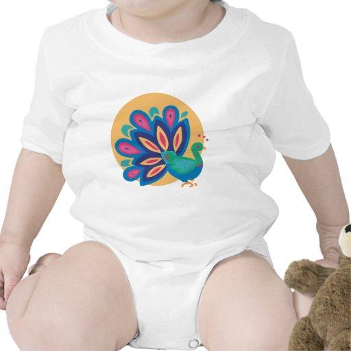 Pavo real bonito uno traje de bebé