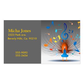 Pavo real colorido de las notas musicales tarjetas de visita
