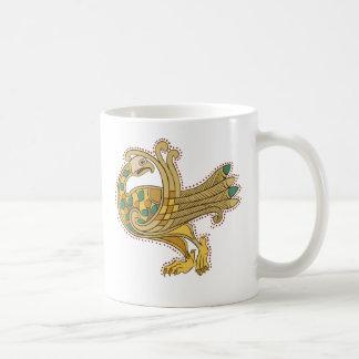 Pavo real de oro medieval céltico, taza blanca