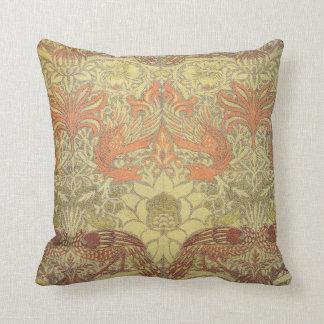 Pavo real de William Morris y modelo del dragón Cojín Decorativo
