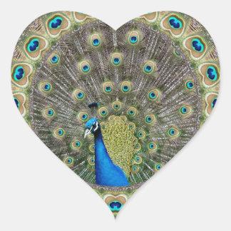 Pavo real del caleidoscopio pegatina en forma de corazón