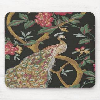 Pavo real elegante en el cojín de ratón negro tapete de raton