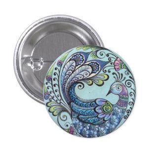 Pavo real en el Pin azul del botón