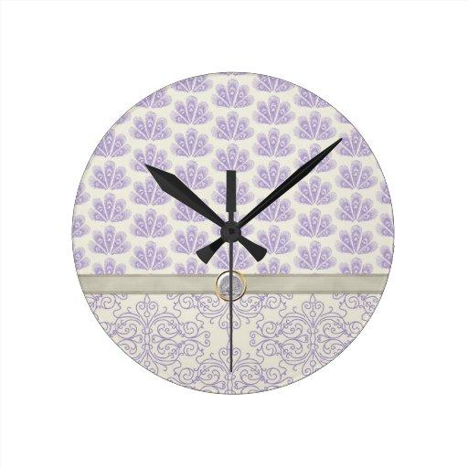 Pavo real en la impresión del damasco y del pavo r reloj