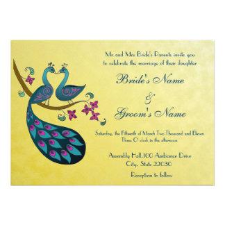 Pavo real - invitación del boda de Peahen, amarill