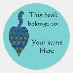 Pavo real, placa de libro etiquetas redondas