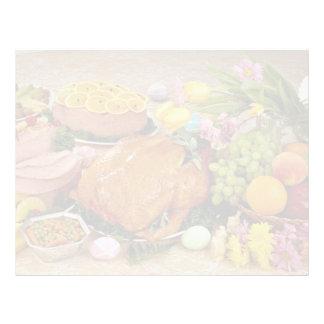 Pavo y jamón cocinado delicioso, flores y fruta membrete