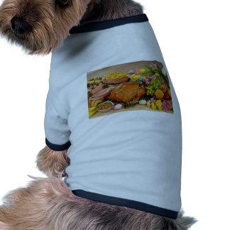 Pavo y jamón cocinado delicioso, flores y fruta camiseta de mascota