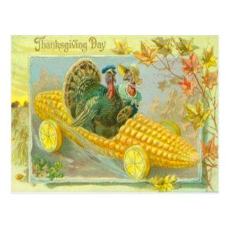 Pavos en un coche del maíz tarjeta postal
