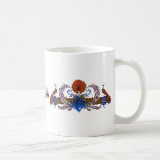 Pavos reales y azul de Brown de la guirnalda Taza De Café