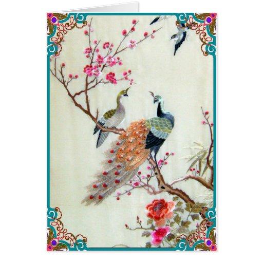 Pavos reales y flores del ciruelo tarjeta de felicitación