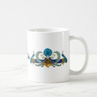 Pavos reales y guirnaldas azules y de oro tazas