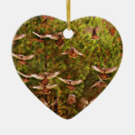 Pavos salvajes adorno de cerámica en forma de corazón