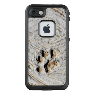 Paw Print in Cement Photo LifeProof FRĒ iPhone 7 Case