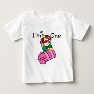 Payaso con las 1ras camisetas y regalos del poleras