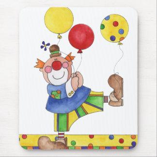 Payaso con los globos alfombrillas de ratón