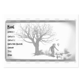 Payaso y cuervos del globo por el árbol espeluznan tarjeta personal