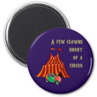 Payasos e imán del circo
