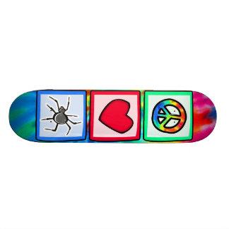 Paz, amor, arañas patin