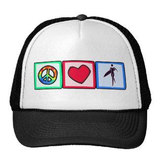 Paz, amor, chicas de la persona que practica surf gorras de camionero