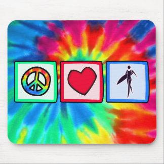 Paz, amor, chicas de la persona que practica surf mouse pad