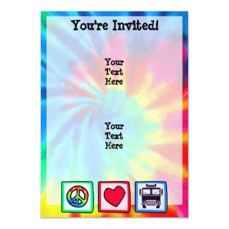 Paz, amor, coches de bomberos invitación 12,7 x 17,8 cm