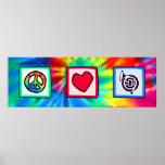 Paz, amor, cuernos poster