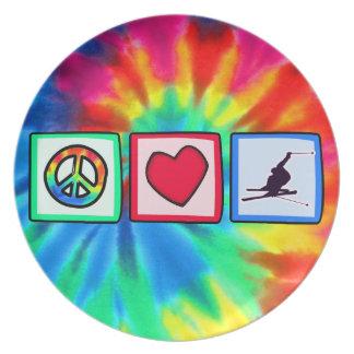 Paz, amor, esquí de la nieve plato