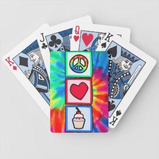 Paz, amor, magdalenas barajas de cartas