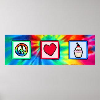 Paz, amor, magdalenas posters