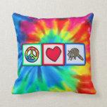 Paz, amor, mapaches almohada