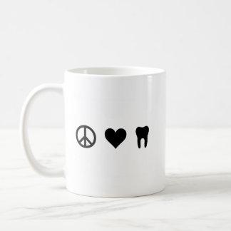 Paz, amor, odontología taza de café