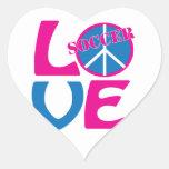 Paz, amor, regalos del fútbol y ropa para las calcomanías corazones