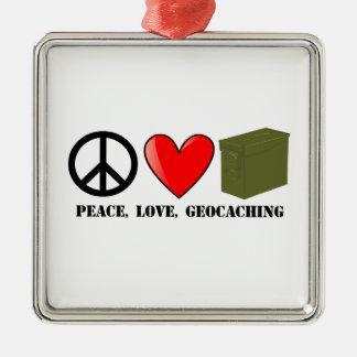 Paz, amor, y Geocaching Adorno Navideño Cuadrado De Metal