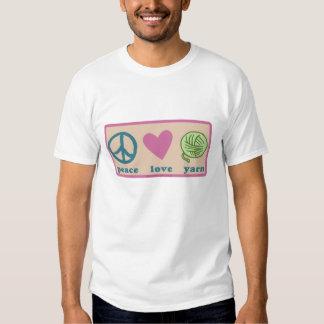 Paz, amor y hilado playera