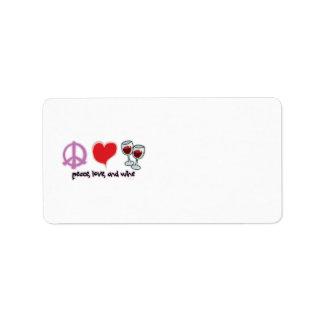 Paz, amor, y vino etiqueta de dirección